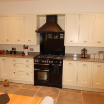 Traditional White Painted Shaker with Granite Worktops